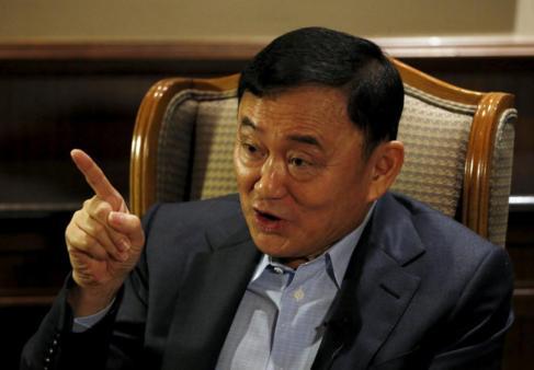 El ex primer ministro de Tailandia Thaksin Shinawatra, en una...