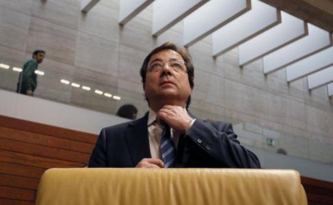 Guillermo Fernández Vara, hoy, en el pleno de la Asamblea.