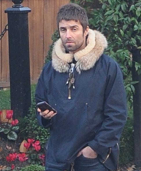 Liam Gallagher ha tomado clases de yoga. O eso es al menos lo que ha...