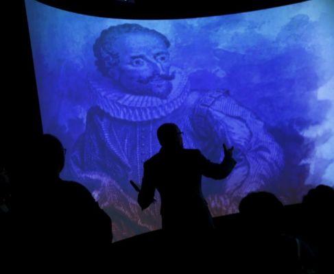 Proyección de una imagen de Cervantes en la Biblioteca Nacional