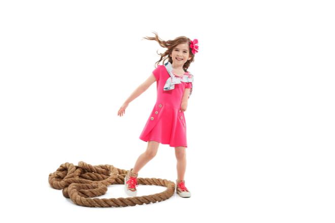 644bcabce Tommy Hilfiger lanza la primera línea de ropa para niños con ...