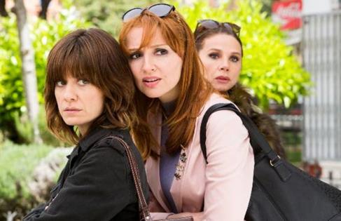 Alexandra Jiménez, Cristina Castaño y Victoria Abril en 'Nacida...