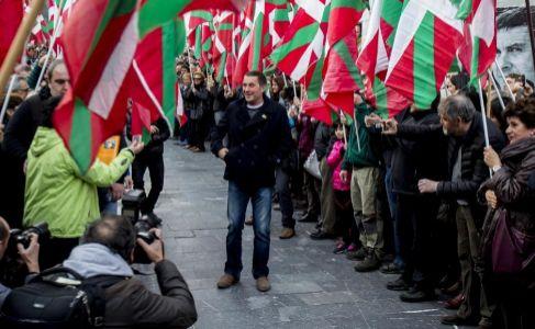 Homenaje a Otegi después de su salida de la cárcel de Logroño en...