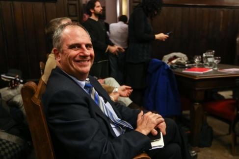Albert Ballesta durante la repetición de su nombramiento como alcalde...
