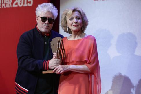 Pedro Almodóvar y Marisa Paredes.