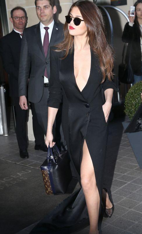 Así de ''sexy'' ha asistido la actriz y cantante Selena Gómez a la...