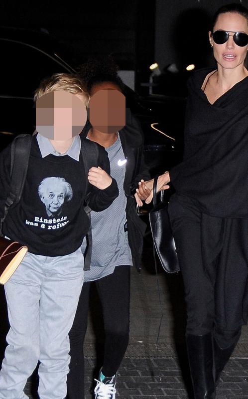 La camiseta reivindicativa de Shiloh  Pitt Jolie. Bajo la cara de...