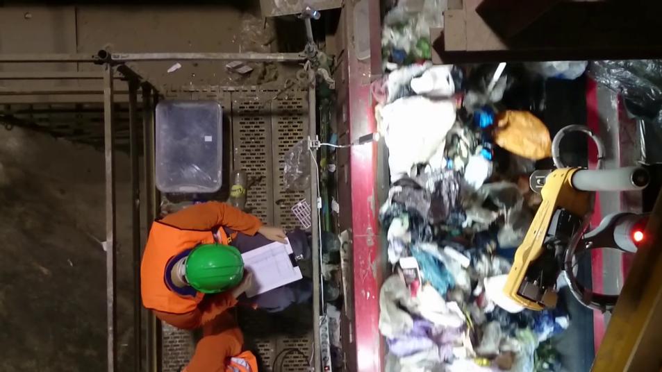Una planta de reciclaje con brazo robótico de Sacyr.