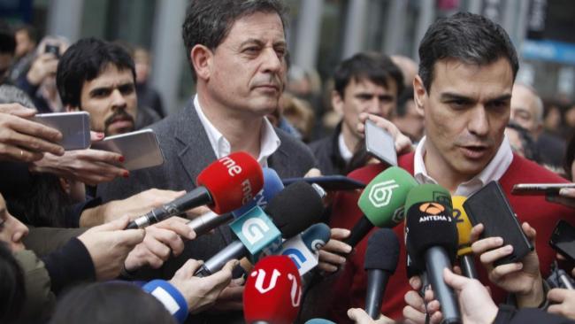 José Ramón Gómez Besteiro y Pedro Sánchez, el jueves, en A...