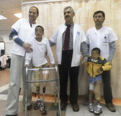 Niños sirios ampuntados tratados por el doctor Lerner en Israel.