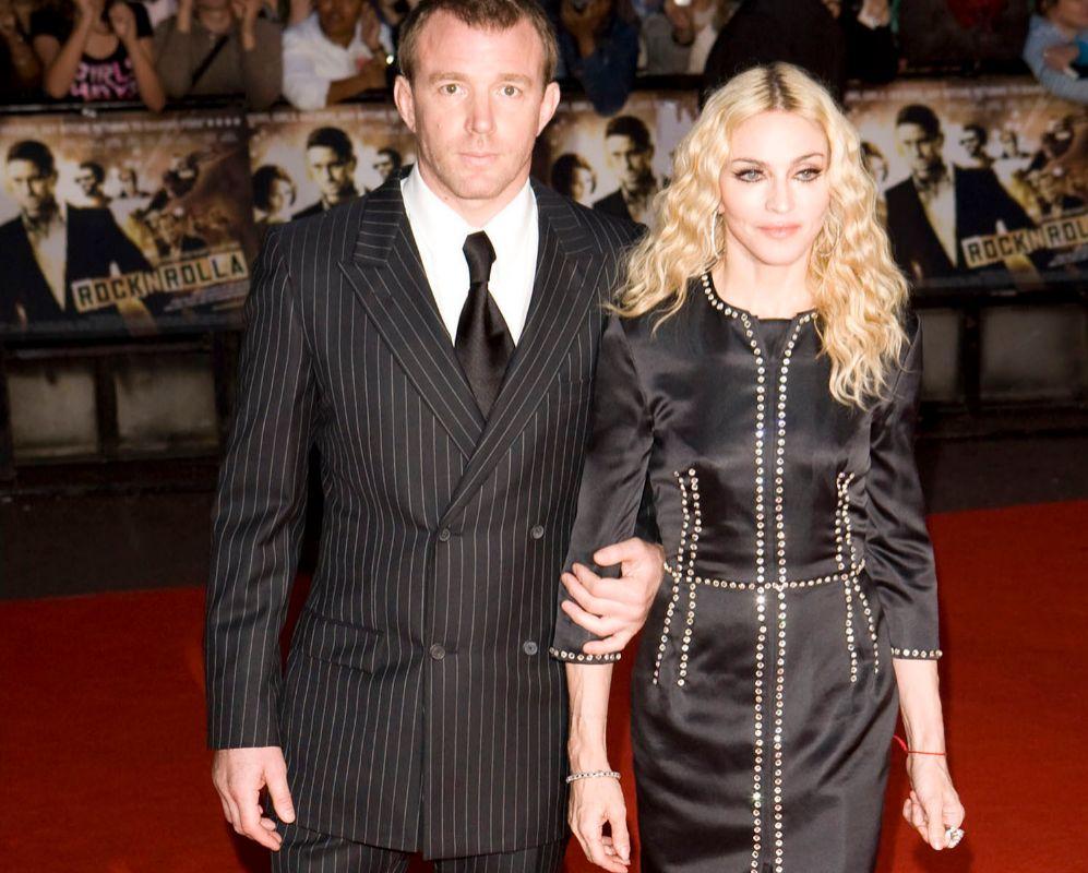 Madonna y Guy Ritchie. Tanta factura le está pasando a Madonna (57)...