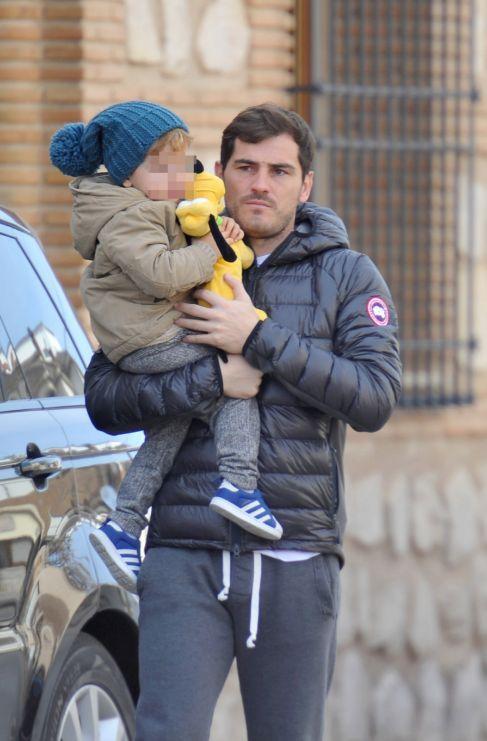 <strong>Iker Casillas. </strong> Parte del mérito de padre glamuroso...