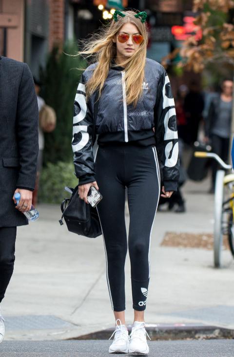 Gigi Hadid sigue la tendencia Athleisure.