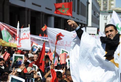 Ciudadanos marroquíes protestan ante la visita del secretario general...