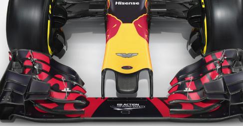 Publicidad Aston Martin en el morro del monoplaza de Red Bull