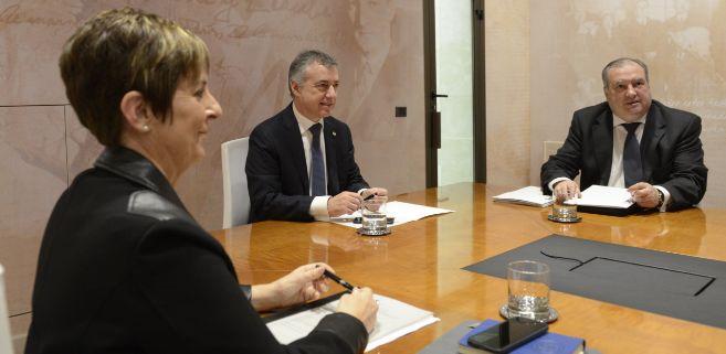 Iñigo Urkullu y Arantxa Tapia durante una reunión hoy en...
