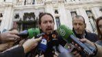 Pablo Iglesias atiende el martes a los medios de comunicación, con...
