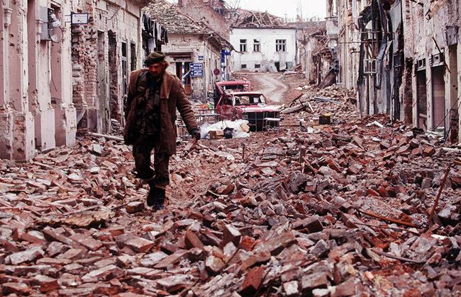Resultado de imagen de destruccion guerra de los balcanes