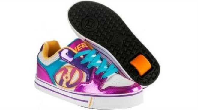 Un par de zapatillas con  ruedines  en la suela. HEELYS MOTION PLUS f5aab342e97