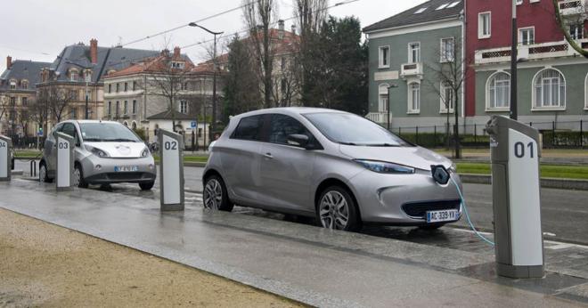 Renault Zoe y un Bollore Bluecar