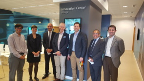 Miembros de la delegación noruega en las instalaciones de Telefónica...