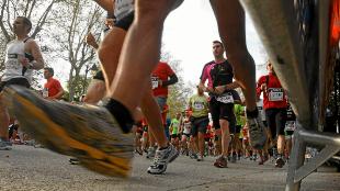 Un grupo de corredores, durante el Medio Maratón de Madrid.