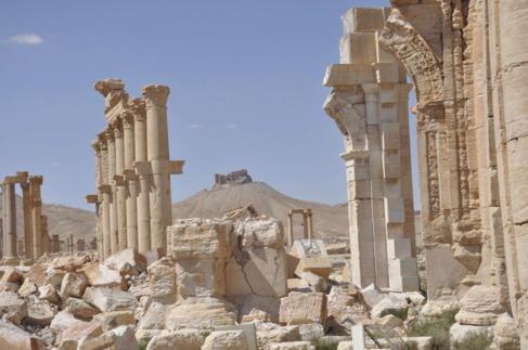 Ruinas del Castillo de Palmira vistas desde la ciudadela de la plaza...