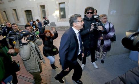 Enrique Ortiz accede a los juzgados Alicante, en imagen de archivo.