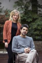 Pilar Castro y Cesc Gay, en los jardines de la SGAE.