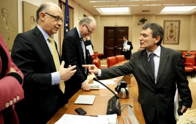 Cristóbal Montoro y Pedro Saura, en una comparecencia en la Comisión...