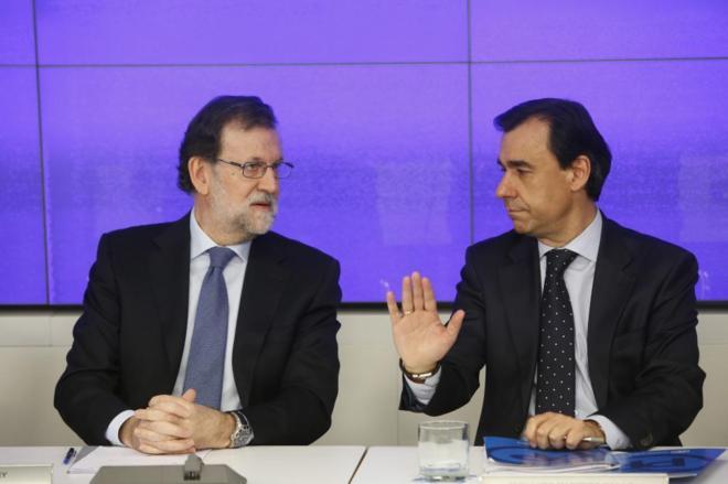 Mariano Rajoy y Fernando Martínez-Maíllo, en una reunión del...