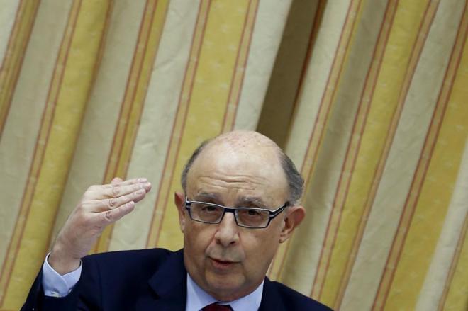 Cristóbal Montoro en la Comisión de Hacienda del Congreso para...