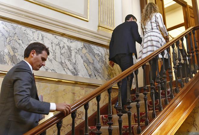 Albert Rivera asciende la pasada semana por unas escaleras del...