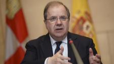 El presidente de la Junta de Castilla y León, Juan Vicente Herrera,...