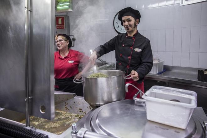 Comida ecológica para los comedores escolares | Madrid | EL MUNDO