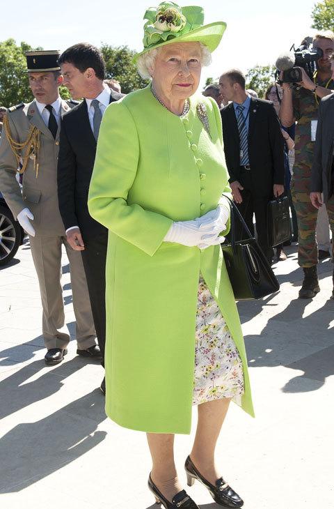 Con este vestido en tonos verdes acudió al 70 aniversario del...