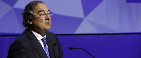 El presidente de CEOE, Juan Rosell, durante su intervención en la...