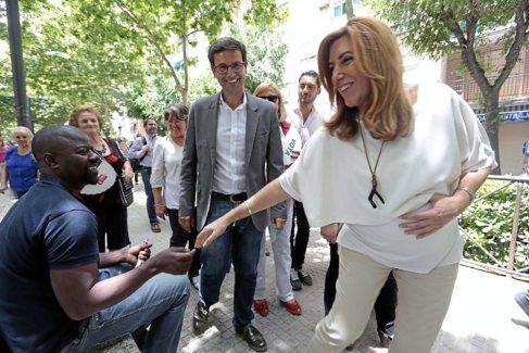 Susana Díaz y Francisco Cuenca, en la campaña de las municipales.