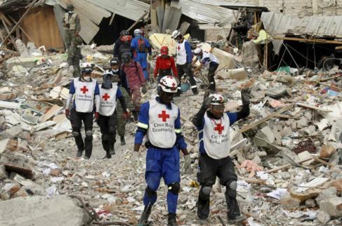Equipos de rescate continúan buscando supervivientes cinco días...