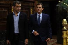 El diputado de Ciudadanos Toni Cantó con el líder de la formación,...
