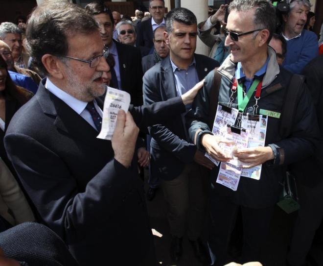 Rajoy compra lotería esta mañana en Puerto Lápice (Cuidad Real).