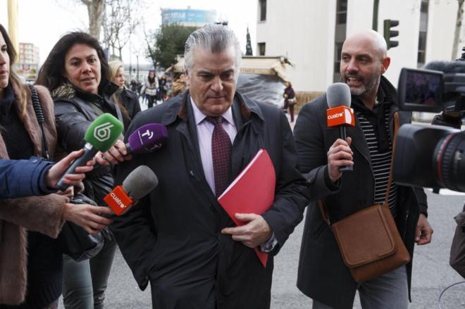 Luis Bárcenas, saliendo de los juzgados de Plaza de Castilla el...