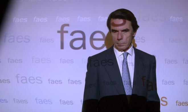 El ex presidente del Gobierno y presidente del honor del PP José...