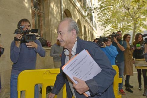 El Juez José Castro llega a los juzgados en Palma.