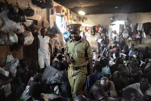Refugiados e inmigrantes del cuerno de áfrica detenidos en Malawi.