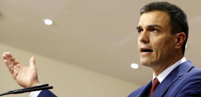 Pedro Sánchez, durante la rueda de prensa que ofreció ayer en el...