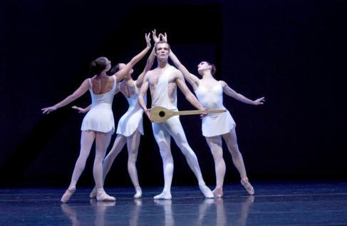 Bailarines del Dutch National Ballet.