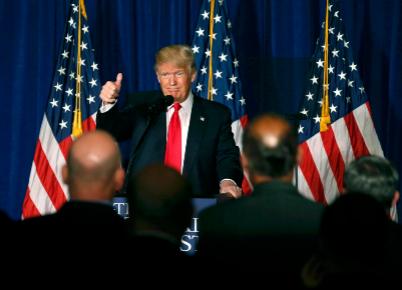 Donald Trump esboza su política exterior en Washington.