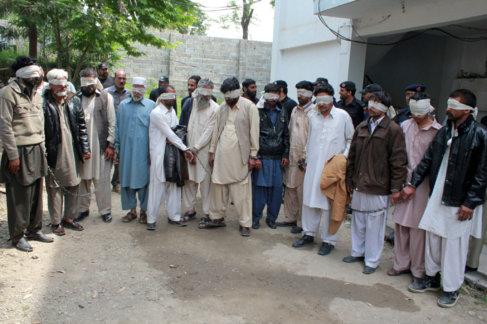 Miembros del consejo tribal detenidos este jueves en Donga Gali...
