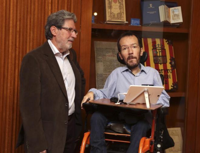 Adolfo Barrena, secretario de Organización de IU, con su homólogo de...